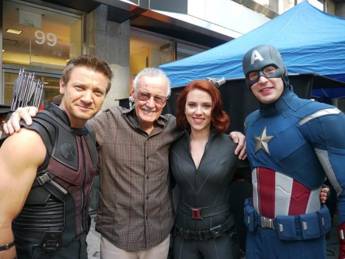 Stan Lee on the set of the first Avengers film 500x375 Stan Lee on the set of the first Avengers film